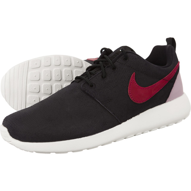 WMNS Roshe One Suede 006