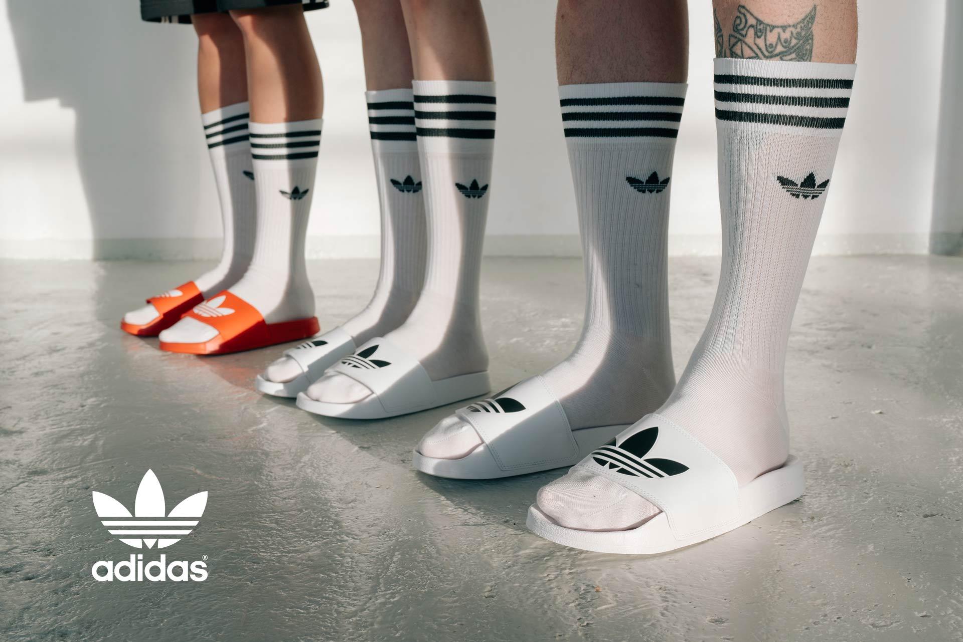 Klapki adidas i skarpety adidas wysokie