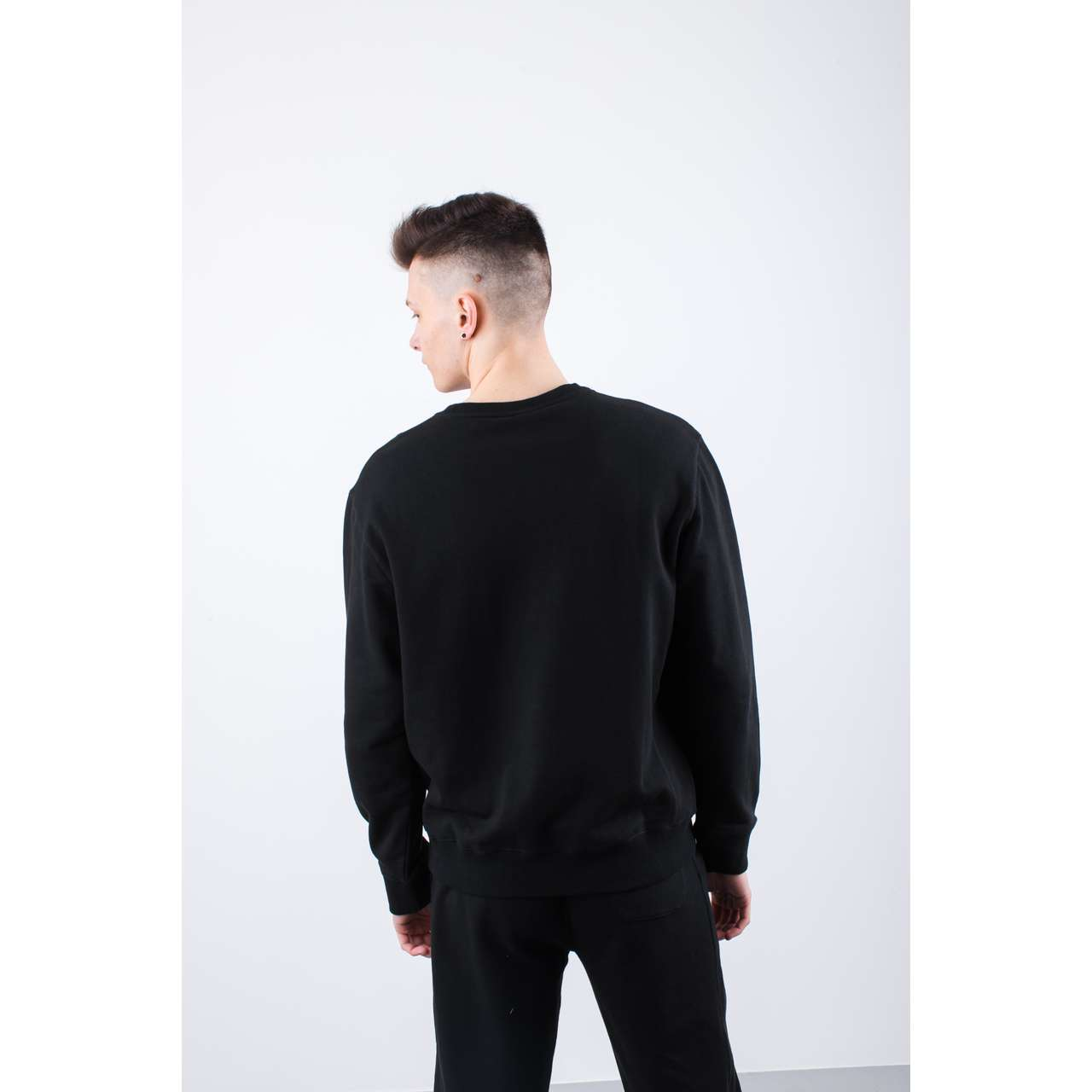Bluza Russell Athletic  <br/><small>CREW NECK SWEATSHIRT 099 BLACK </small>  A90031-099