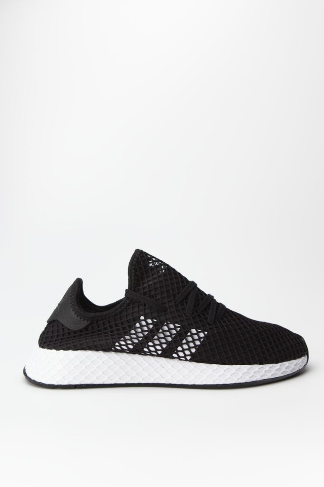 CORE BLACK/CLOUD WHITE/CORE BLACK DEERUPT RUNNER 890