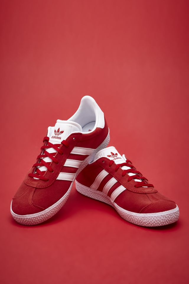 adidas GAZELLE J 543 SCARLET/FOOTWEAR WHITE/GOLD METALLIC BY9543