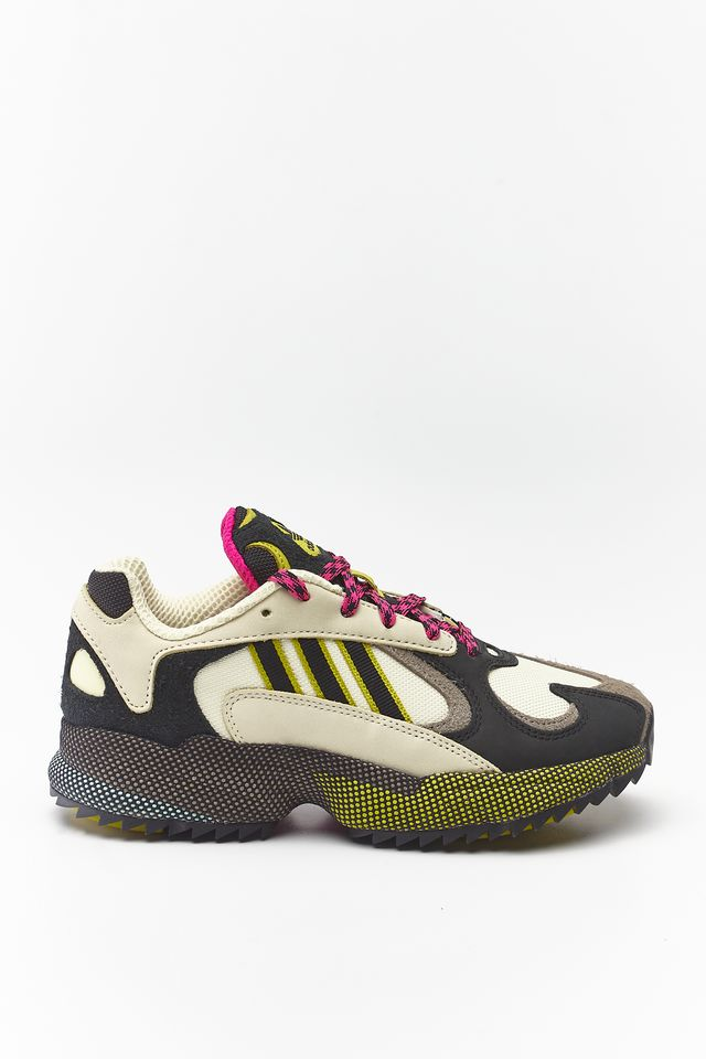 SAND/CORE BLACK/SHOCK PINK YUNG-1 338