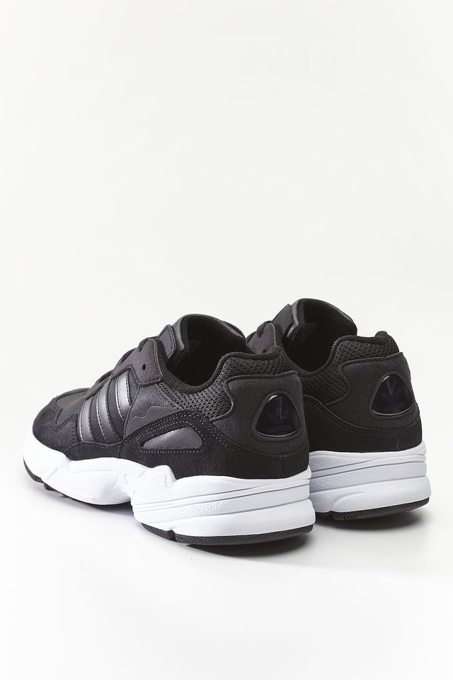Buty adidas  <br/><small>YUNG-96 681 CORE BLACK/CORE BLACK/CRYSTAL WHITE </small>  EE3681