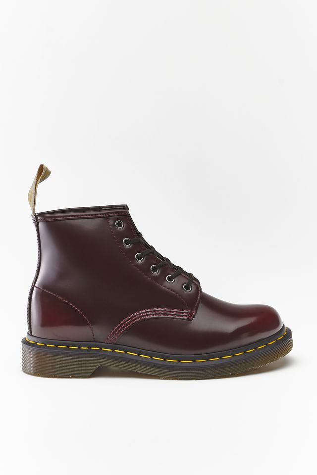 Dr.Martens VEGAN 101 CHERRY RED CAMBRIDGE BRUSH DM23985600