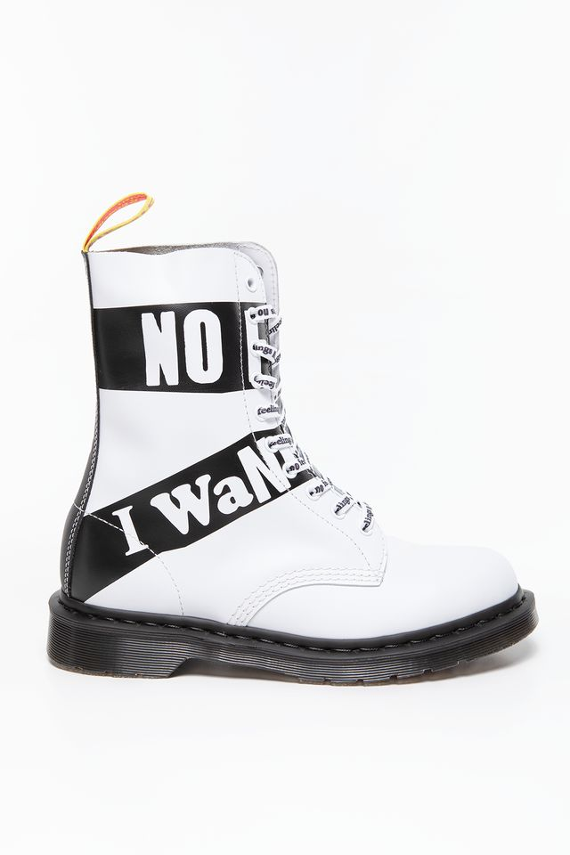 Dr. Martens 1490 Sex Pistols White DM24785100