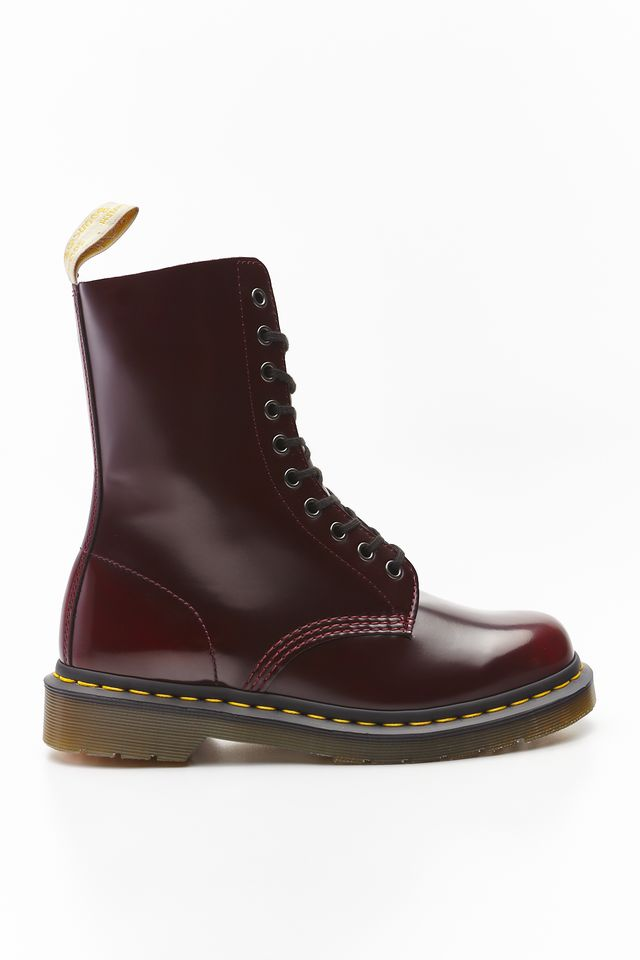 Dr. Martens VEGAN 1490 OXFORD BRUSH CHERRY RED CAMBRIDGE BRUSH DM23983600