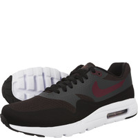 Buty Nike Air Max 1 Ultra Essential 002