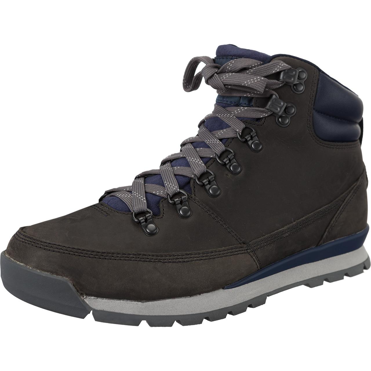 The North Face – Ausrüstung für die kalte Schulter der Berge. The North Face – schon der Name macht klar: diese Ausrüstung ist für Draußen gemacht, gegen die Widrigkeiten der Natur und als zuverlässige Ausrüstung für alltägliche wie extreme Ansprüche.