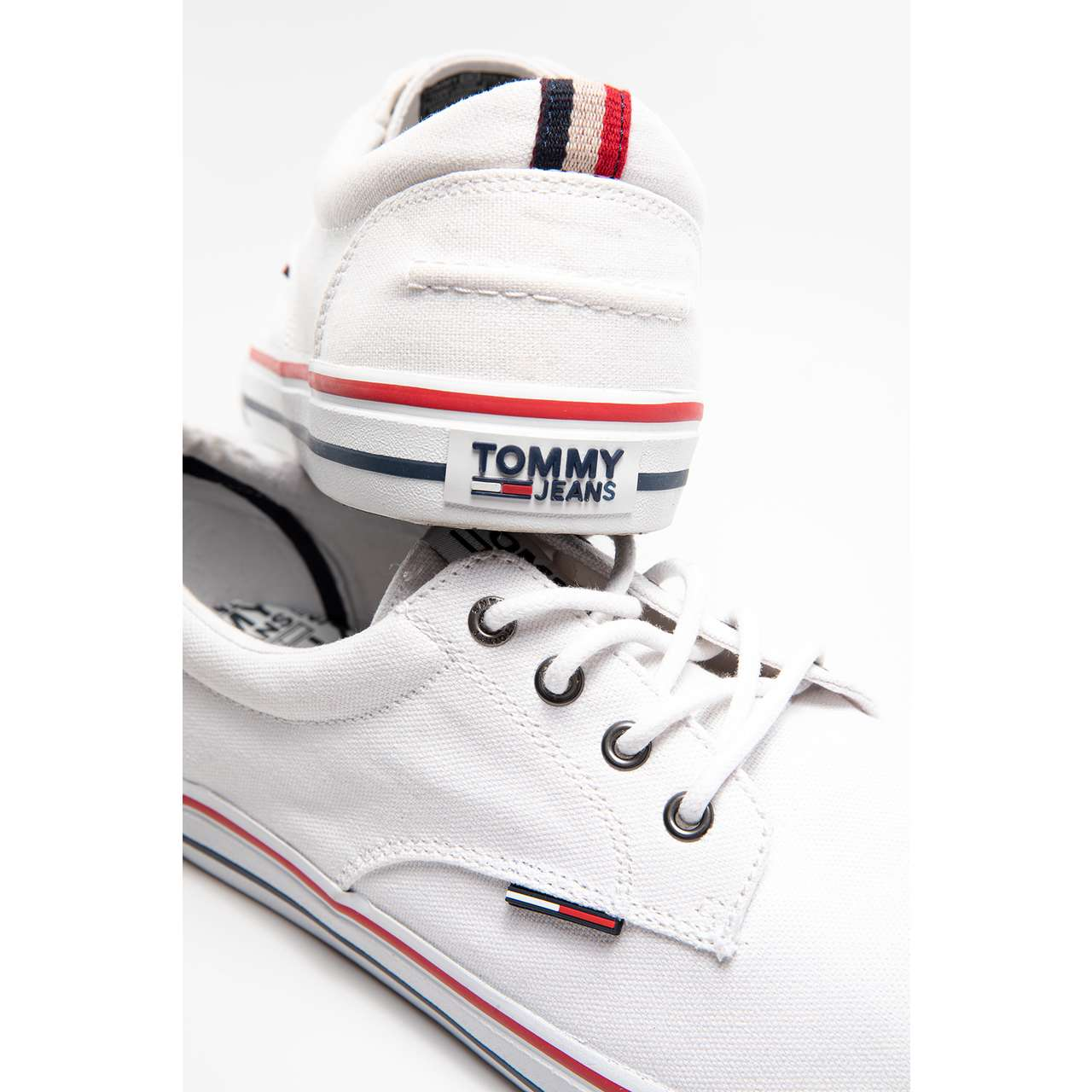 Buty Tommy Hilfiger  <br/><small>JEANS TEXTILE 100 WHITE </small>  EM0EM00001-100