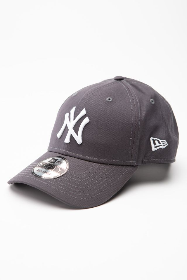 New Era LEAGUE ESSENTIAL 9FORTY 895 GREY 12134895