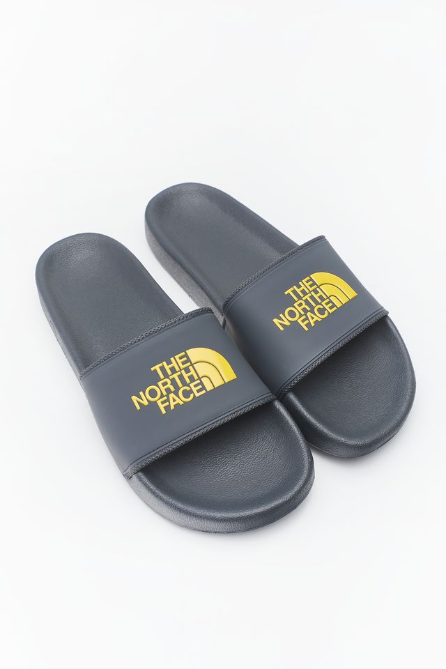 DARK SHADOW GREY/TNF YELLOW M BASE CAMP SLIDE II 090