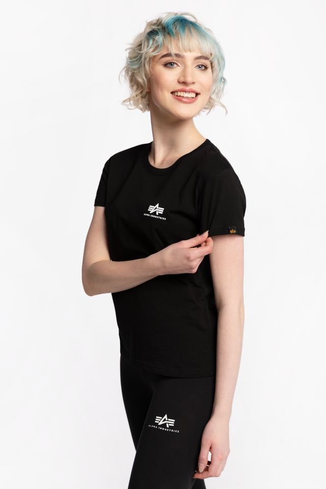 BLACK BASIC T SMALL LOGO WMN 03