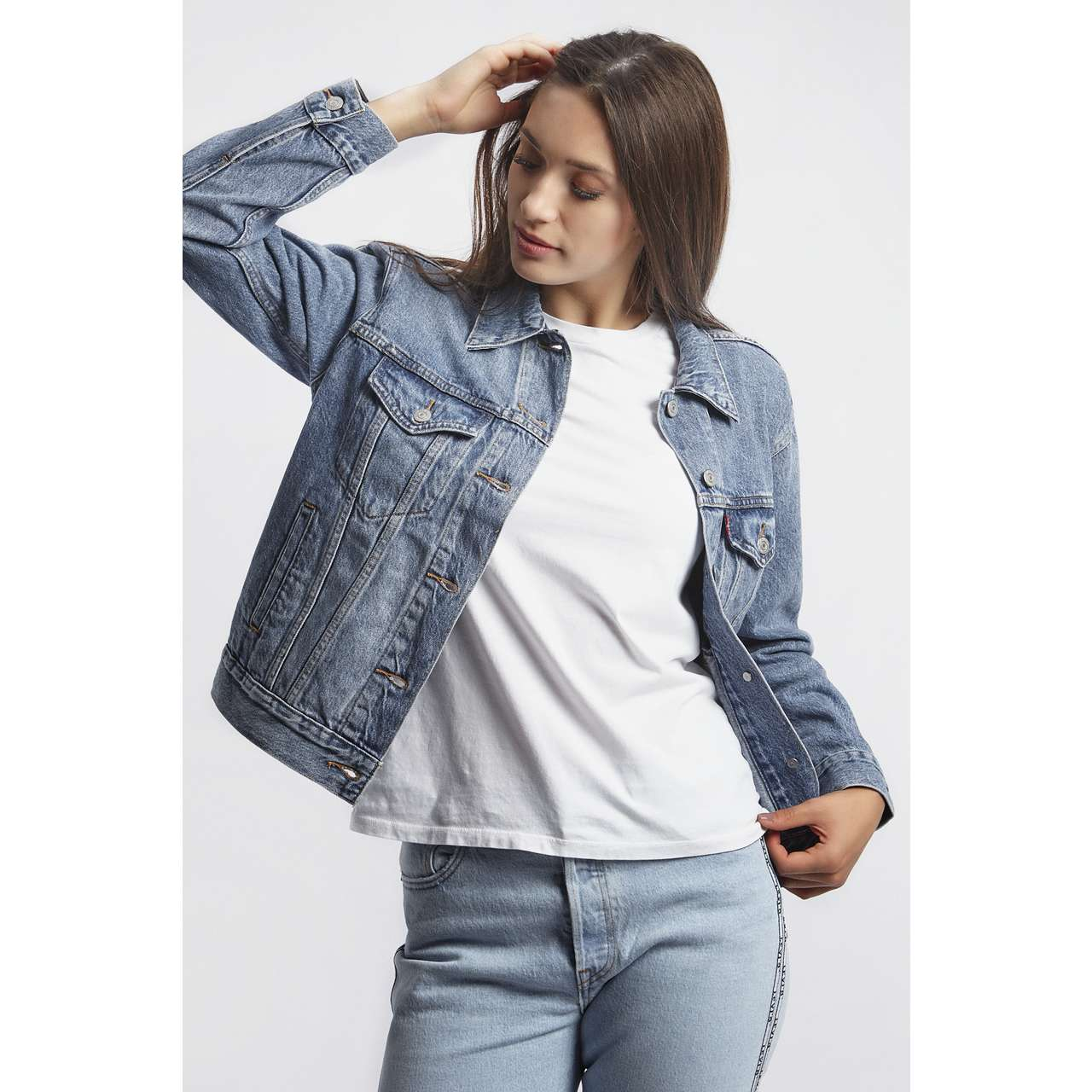 Kurtka Levi's  <br/><small>EX-BOYFRIEND TRUCKER JACKET 0055 SOFT AS BUTTER MEDIUM WASH </small>  29944-0055
