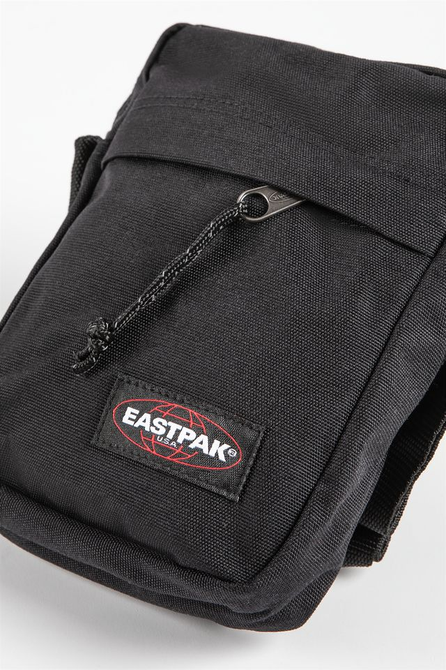 Saszetka Eastpak  <br/><small>THE ONE 008 BLACK </small>  EK045008