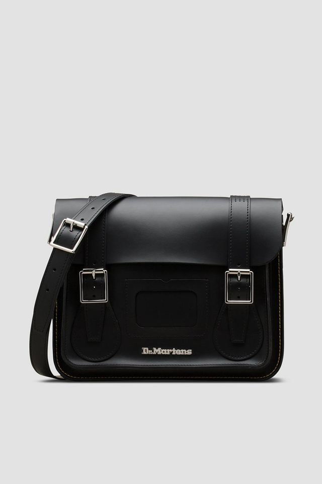 Dr. Martens 13 INCH LEATHER SATCHEL BLACK+BLACK KIEV & SMOOTH DMAB096001